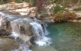 le torrent Cavu pas loin de la  maison avec ses piscines naturelles