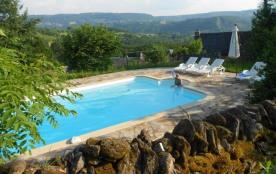 Maison de Vigneron avec piscine privée chauffée; double poney, ping-pong, vélos, rando, pêche à l...