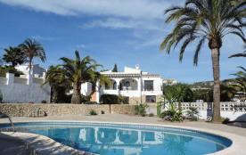 Belle villa confortable avec piscine privée sur la côte de Benissa-Calpe, dans le quartier de la Fustera, belle vue m...