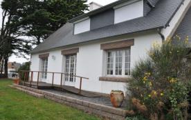 Maison indépendante à 100 m des plages de la Grève Blanche et Grève Rose.