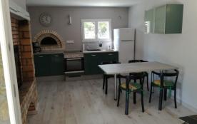 La cuisine ouverte sur le séjour