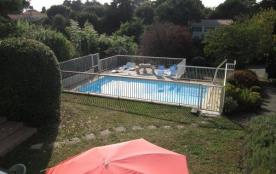 PORNIC-SAINTE MARIE, sur 1200 m² de jardin, VILLA avec PISCINE PRIVEE sécurisée située à 150 m de...