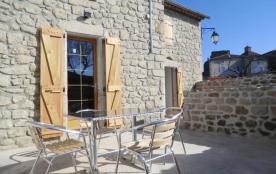 Gîtes de France Le Gîte du Plot - Gîte en pierre de pays aménagé dans le petit village médiéval d...