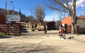 Camping Fuentes Carrionas, 66 emplacements, 3 locatifs