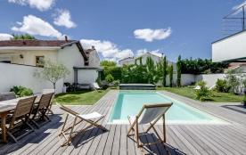 squarebreak, Fantastic architect-designed house with a pool