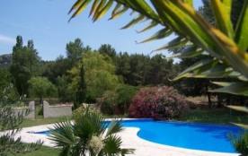 Locations de Vacances en Gite Rural , Mazets en campagne aux Baux de Provence