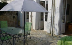 APPARTEMENT FONCILLON AVEC GRANDE TERRASSE PRIVATIVE