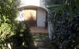 Appartement type t2 aux saintes maries de la mer 13460 avec jardin