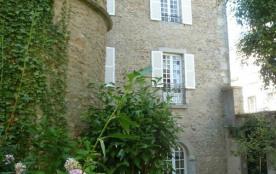 Gîtes de France Zélie - À deux pas du château des Ducs et de la halle aux blés, lieu idéal pour v...