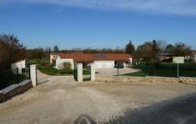 """le hameau de saint privat """"2 Gîtes avec étage : Le Perchoir et l'Ajudà + 2 Gîtes de plein-pied :L'Enclos et le Barradis"""""""