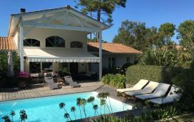 Villa 4 chambres et piscine Petit Piquey.