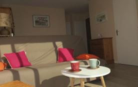 appartement tout confort avec balcon et vue sur mer