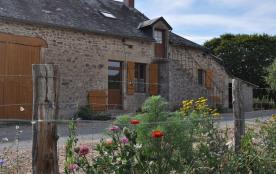 Gîte à la ferme, dans une maison indépendante entièrement rénovée, typiquement Morvandelle, avec ...