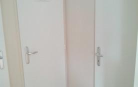 """entrée chambre""""enfant""""+salle d'eau et wc séparé"""