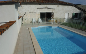 belle maison 10 pers avec piscine chauffée et privée