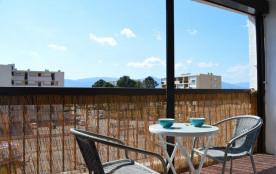 Appartement studio situé à proximité immédiate du cœur de la station, des plages et du port.