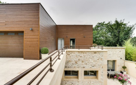 squarebreak, Exceptional architect´s house on the banks of the