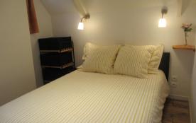 chambre étage balcon lit double 140x200cm