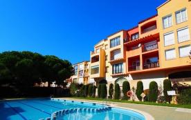 Appartement avec piscine , proche plage et centre ref 320