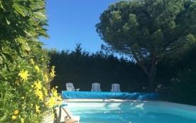 Maison avec piscine à givrand, quartier calme