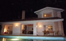 Villa de standing, WIFI, piscine CHAUFFEE, 6 chambres, 50 m golf 18 trous, 200 plag