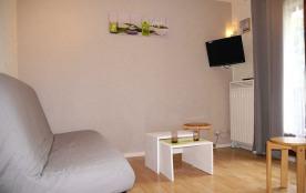 Appartement rénové à LUCHON dans résidence privée avec garage