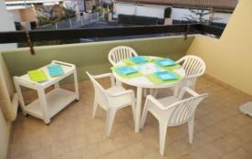 2 pièces 4 couchages, au premier étage, résidence en accès direct plage, appartement en cours de ...