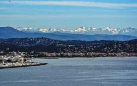 Baie de Cannes la Bocca vue de l'Esterel