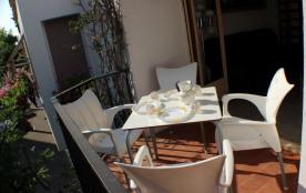 Espronceda 39 - Maison à Roses qui possède 3 chambres et capacité pour 7 personnes.
