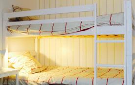 Chambre enfants lits superposés 90 avec cabinet de toilettes