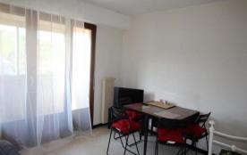FR-1-309-148 - Appartement type F2 avec bacon et accès wifi, proche de la plage