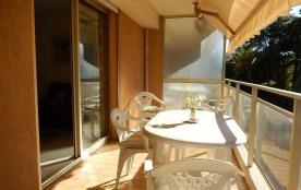 Juan les Pins - Résidence Laura - Appartement T2 - 50 m² environ - jusqu'à 4 personnes - Située à...