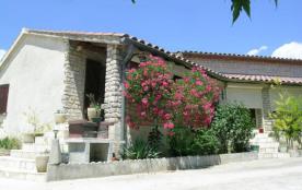 Gîtes à cinq minutes des Gorges de l'Ardèche, gîte mitoyen à la maison du propriétaire (terrasse ...