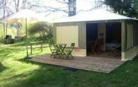 Camping Le Pré de Charlet, 70 emplacements, 10 locatifs
