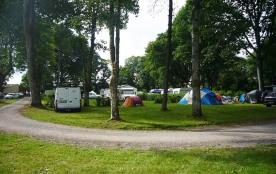 Camping le Lac O Fées, 66 emplacements, 7 locatifs
