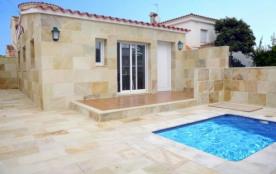 0034-NOGUERA Casa con piscina pequeña