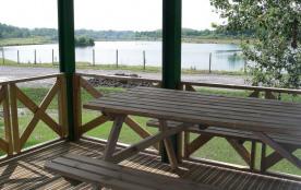 Lodges entre lacs et forêt (2 km de Pau centre)