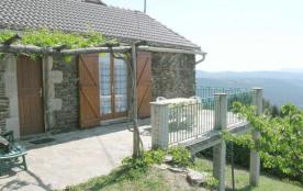 Au cœur des Cévennes, à proximité de la Lozère et du Gard, dans un cadre reposant sans vis à vis, avec magnifique vue...