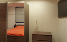 Chambre N°1 avec Grand Lit Double