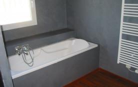 2ème salle de bains - baignoire