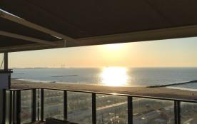 Penthouse neuf, 8 mètres de façade vue frontale mer. Unique.
