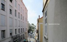 Appartement situé à 3min à pied de la Croisette dans le Carré d'Or