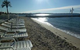 2 pièces très clair à 5min à pied d'une plage de sable fin avec parking