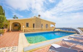 Villa Siros