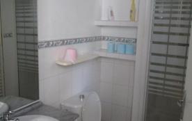 Les oliviers - salle de bain