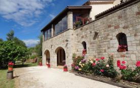 Maison indépendante bénéficiant d'une superbe vue panoramique sur la Cévenne et sur la plaine de la basse Ardèche.