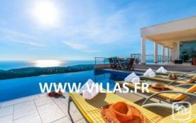 Villa AB Pano - Superbe villa profitant d'une vue magnifique et totalement dégagée sur le paysage...