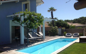 Villa bleue Capbreton,150m de l'océan