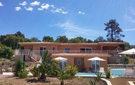 Villa luxueuse neuve 10 personnes à 300 m de la plage avec Piscine chauffée privée