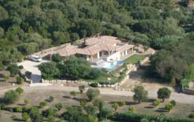 Maison d'architecte près de la plage de Pinarellu